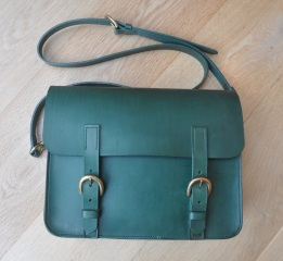 Large leaf green satchel
